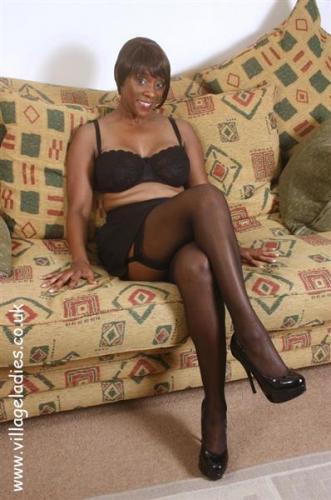 Vipergirls british village ladies Iwia